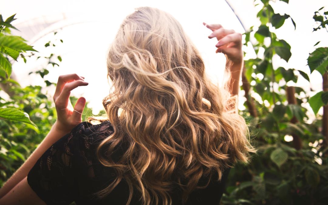 Trucos naturales para que tu pelo crezca fuerte y sano